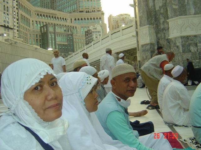 Bersama Besan di Haram