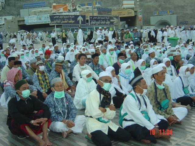 Pengajian di halaman Haram